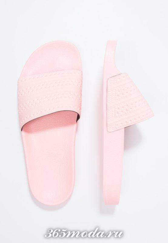 Розовые шлепки