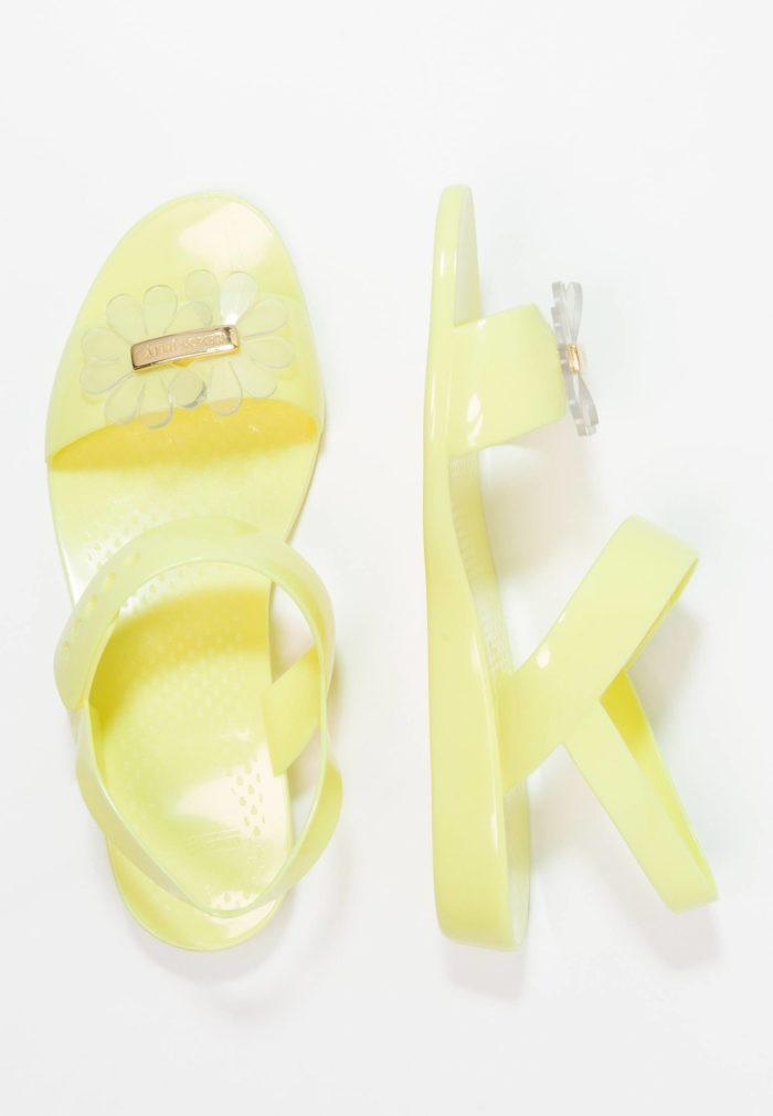 Сандали желтые