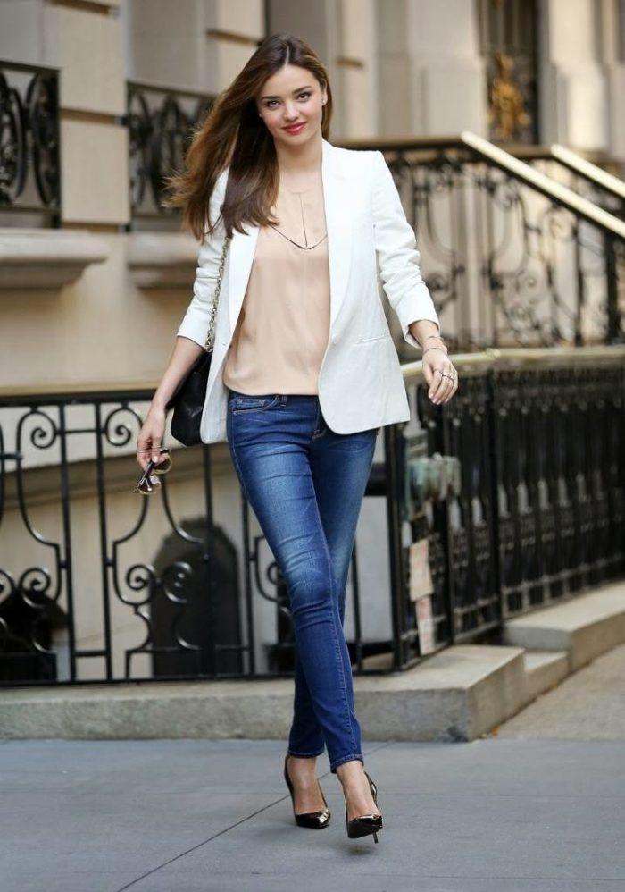женские луки весна 2020: белый пиджак