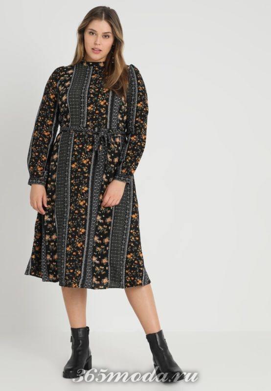 Черное платье средней длины