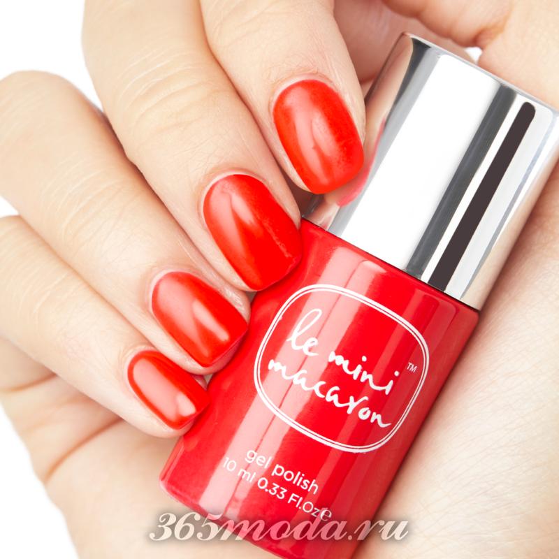 Красный дизайн ногтей шеллаком