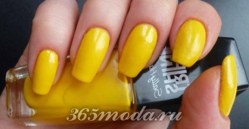 Маникюр желтый