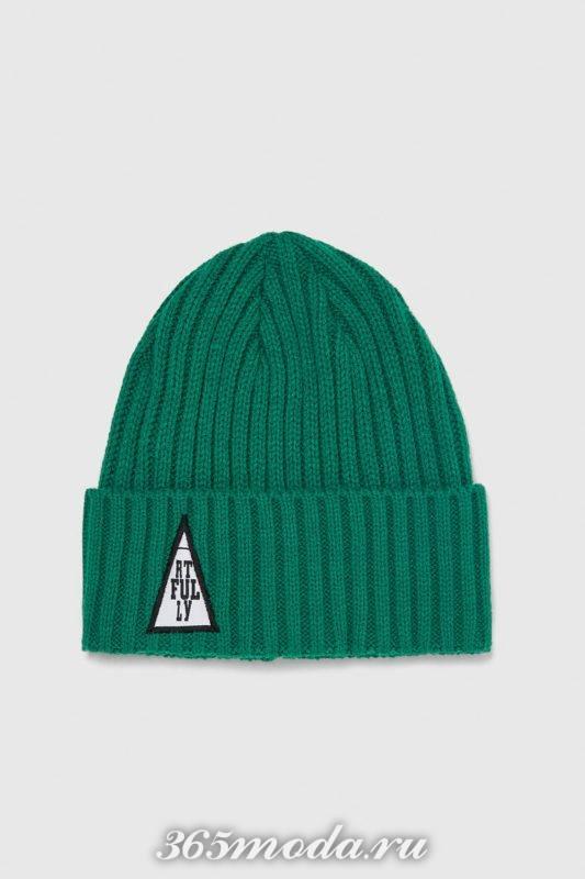Мужская шапка зеленая