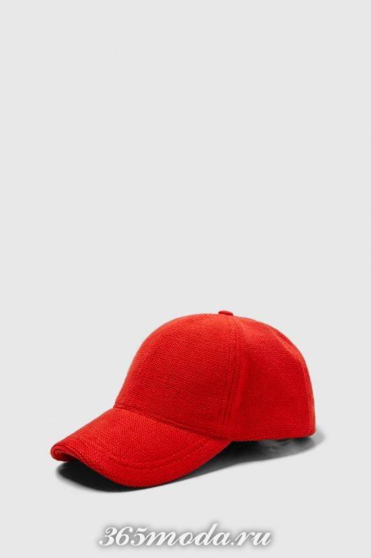 Мужская кепка красная
