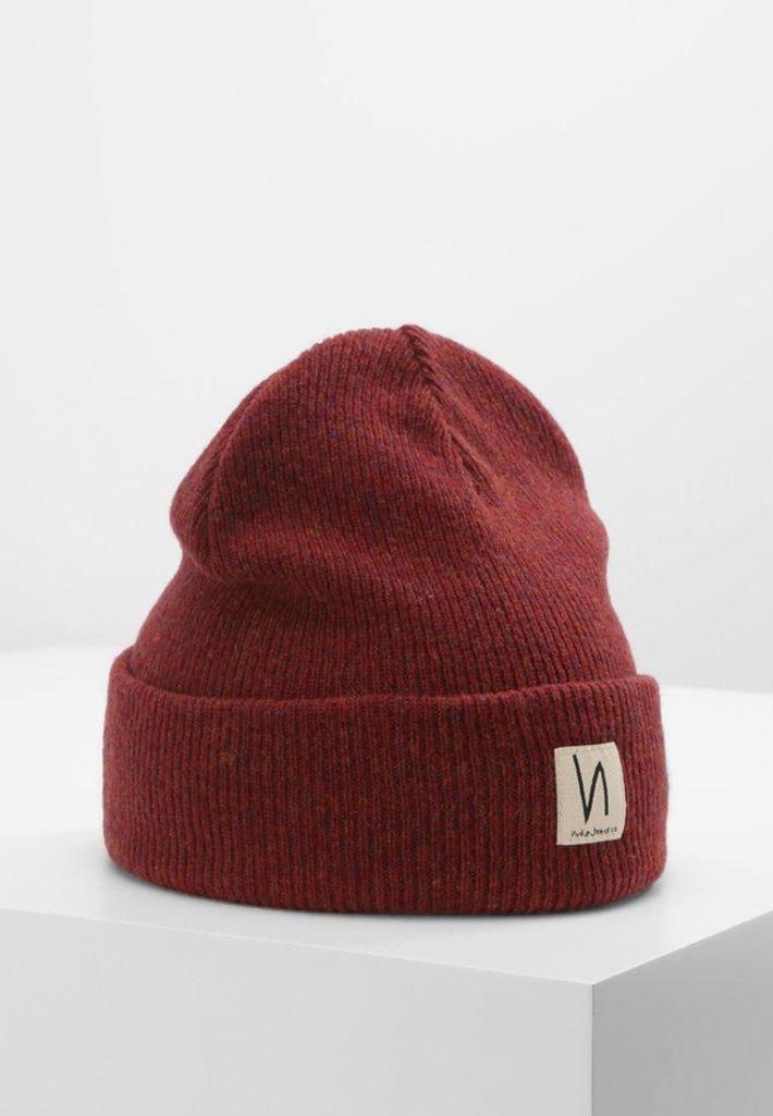модные головные уборы осень-зима: Женская вязаная шапка коричневая