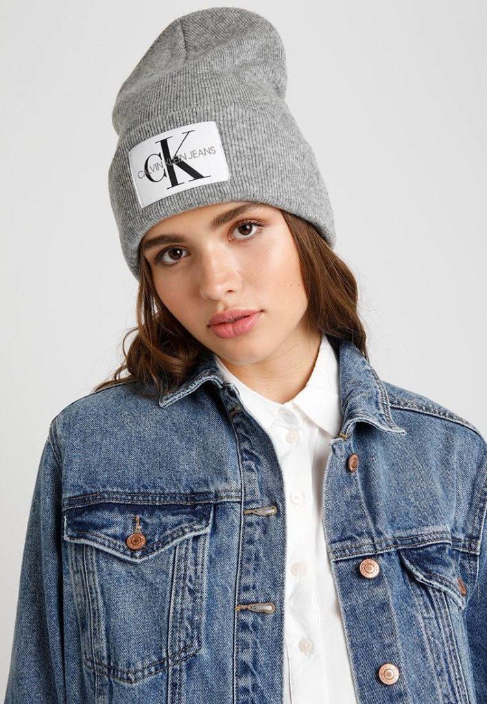 головные уборы: Женская шапка серая