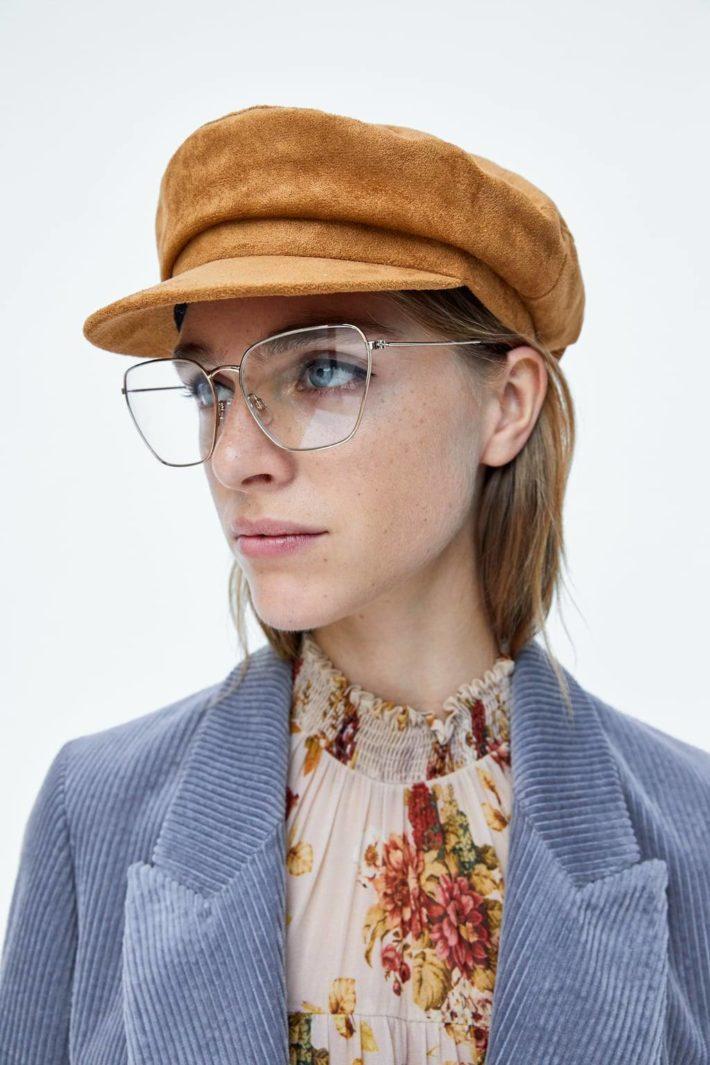 головные уборы: Женская шапка коричневая