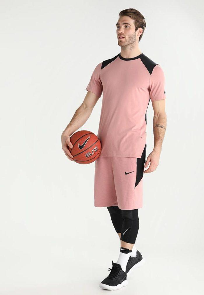 Мужской спортивный костюм розовый