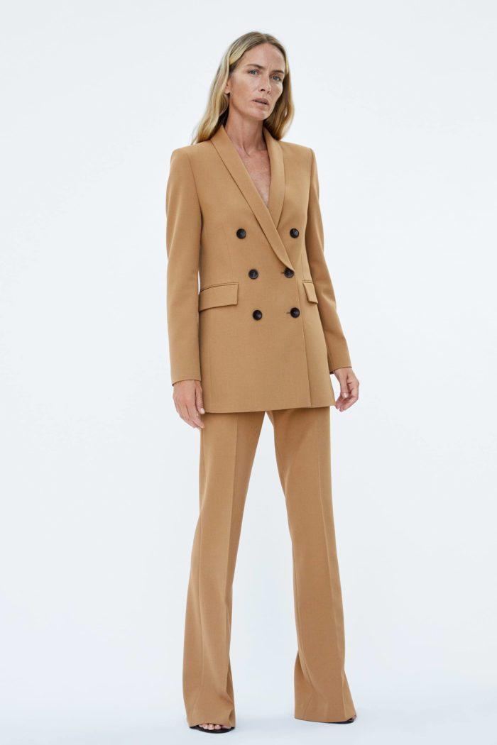 Женский пиджак коричневый
