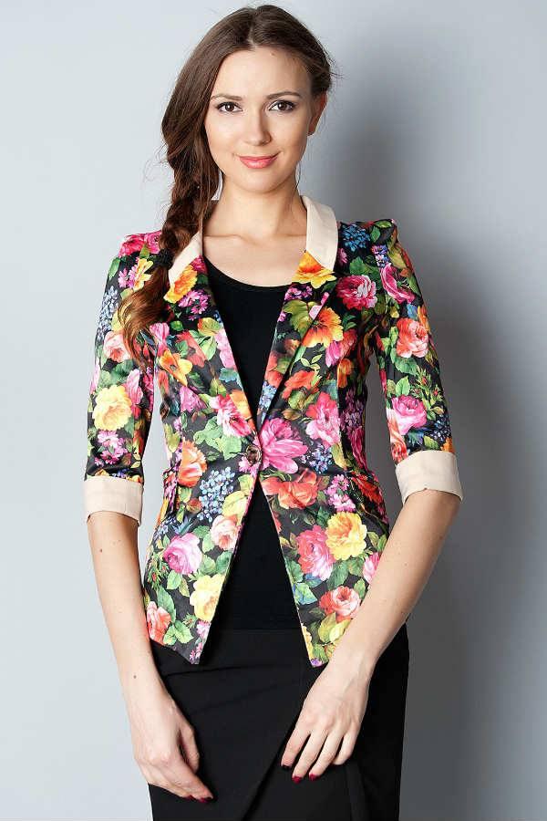 Женский пиджак с декором