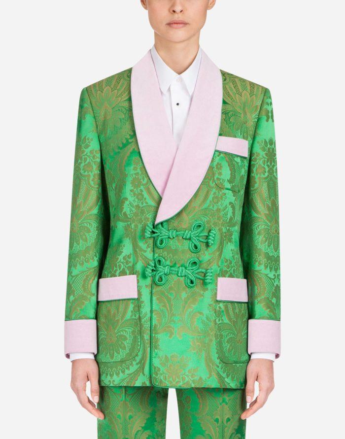 зеленый с узорами