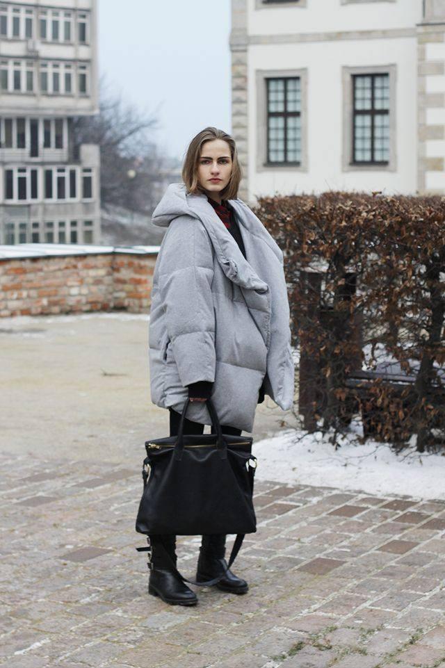 Модные пуховики осень-зима 2019-2020: серый оверсайз