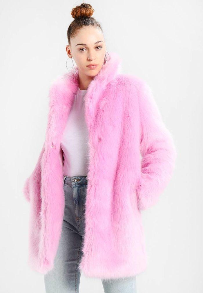 Шуба розовая