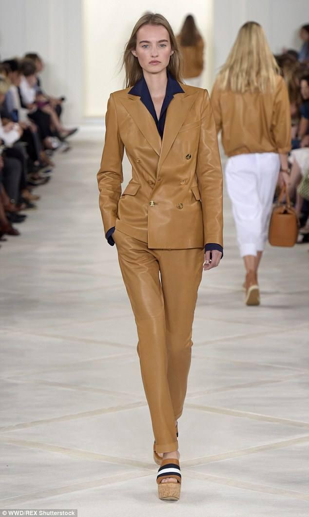 коричневая в виде пиджака