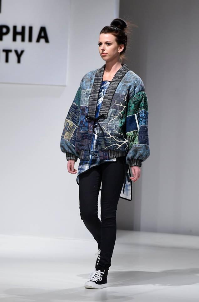 Стильный женский образ с курткой