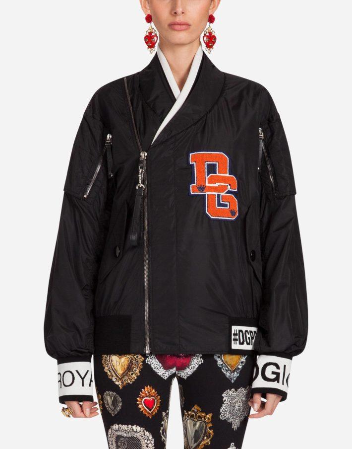 Женская куртка с декором