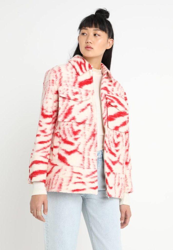 Женская куртка цветная