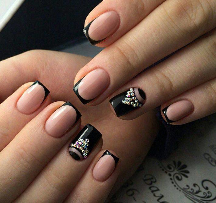 дизайн ногтей гель-лаком осень-зима: со стразами