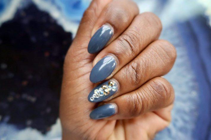 серый дизайн ногтей шеллак