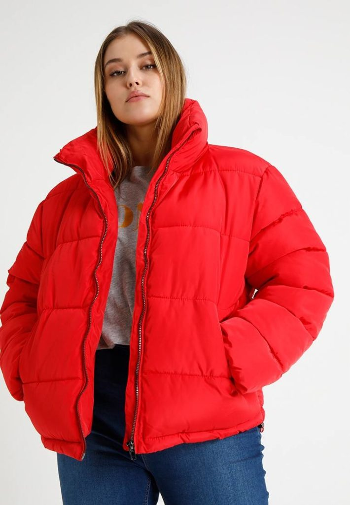 Куртка женская красная
