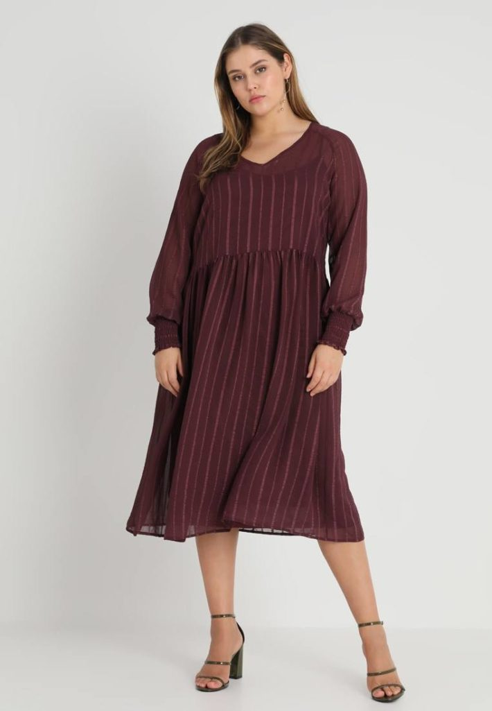 Платье для полных бардовое