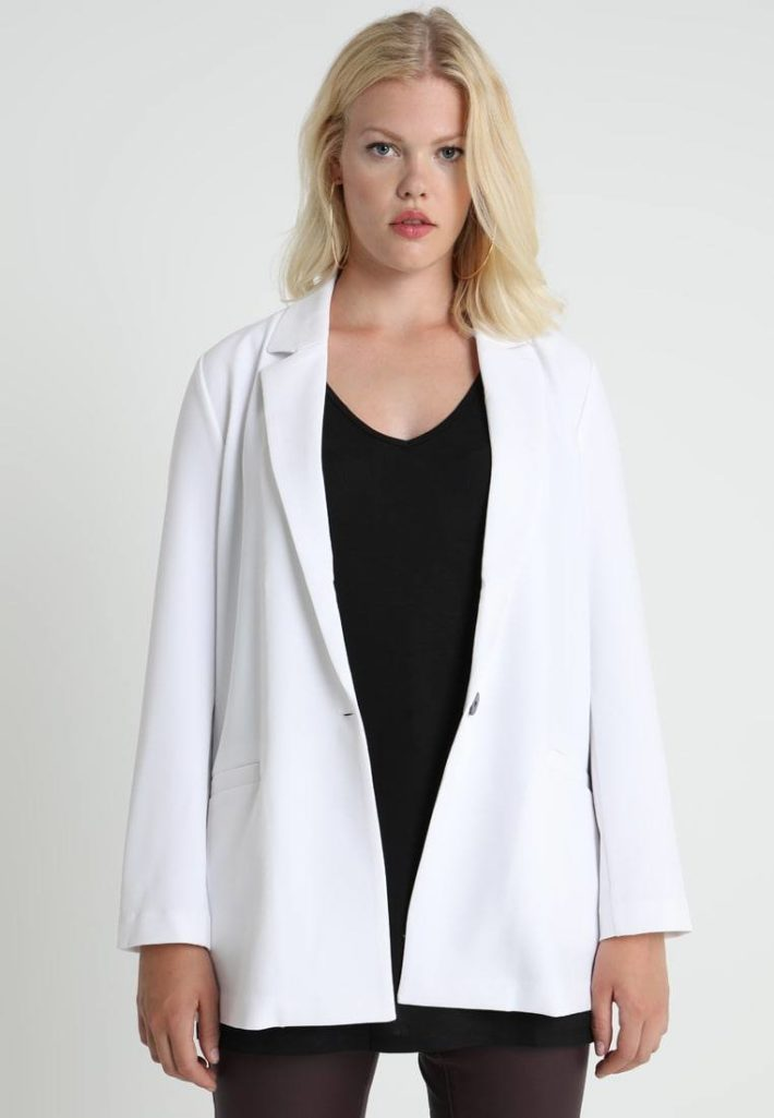 Женский пиджак белый
