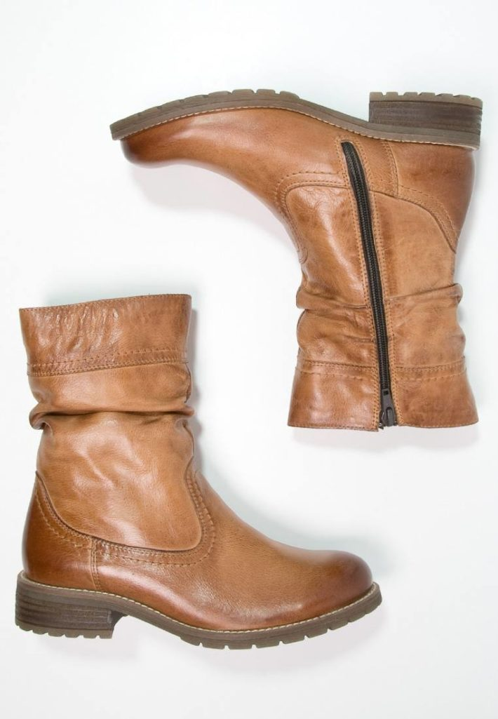 Женские сапоги коричневые