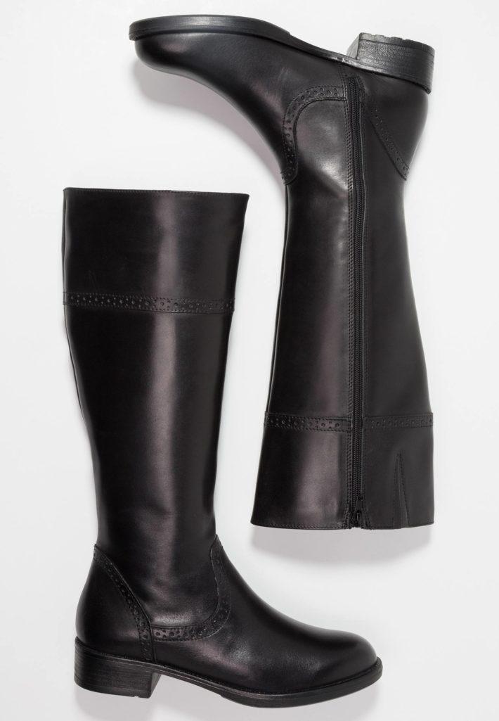 Женские сапоги черные