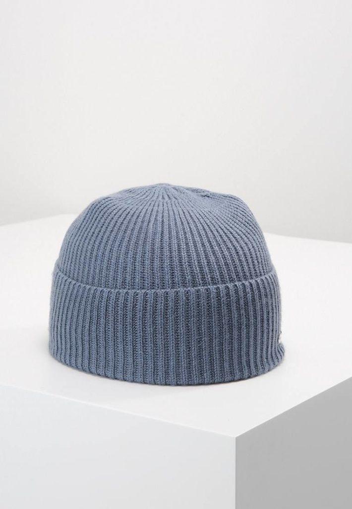 Женская шапка вязаная серая