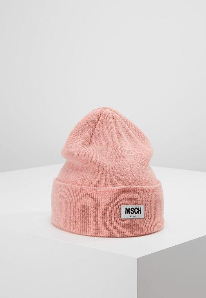 Женская шапка-бини розовая