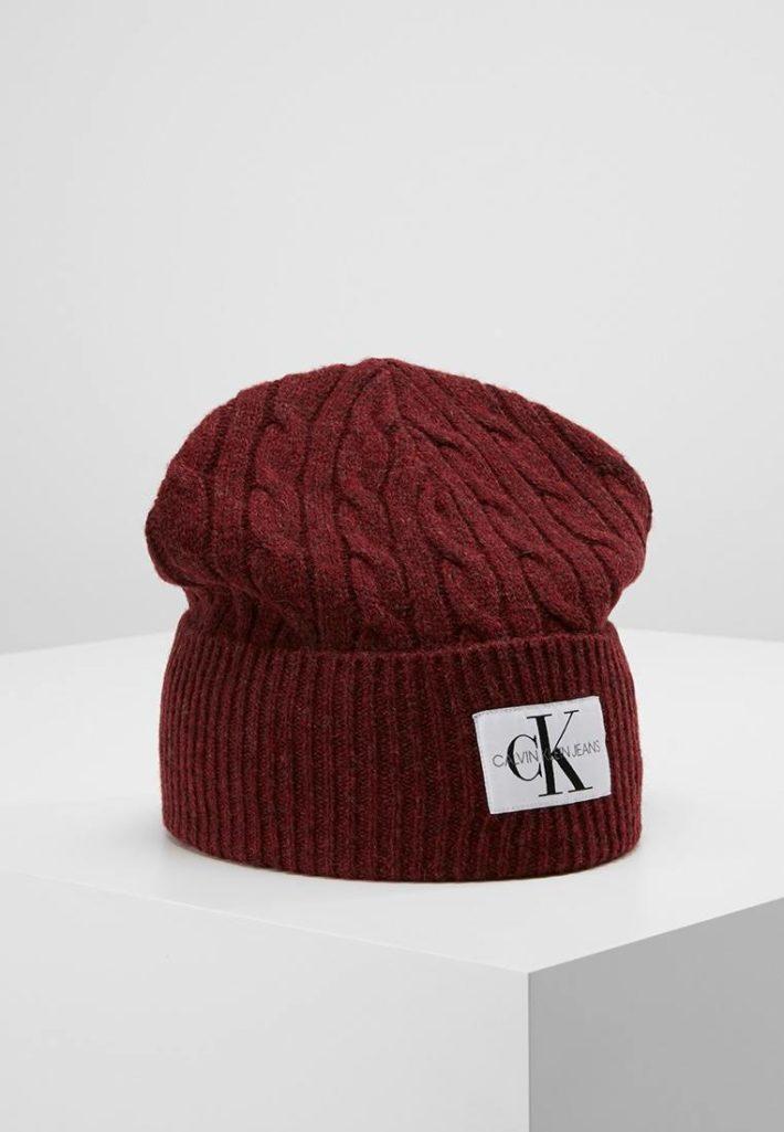 Женская шапка-бини бардовая