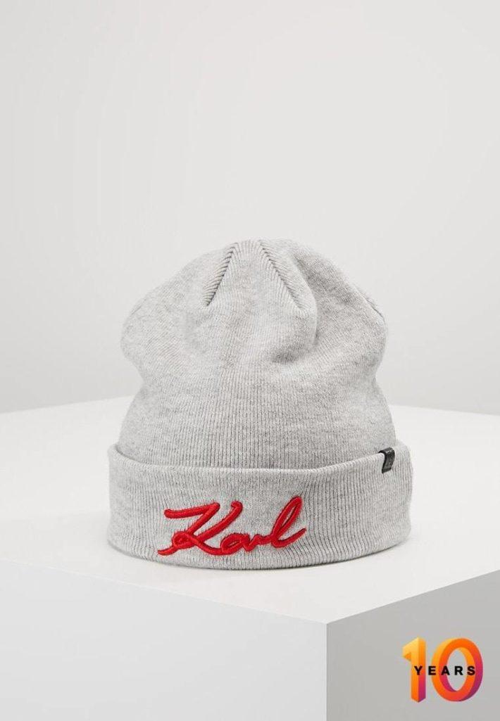 Женская спортивная шапка серая