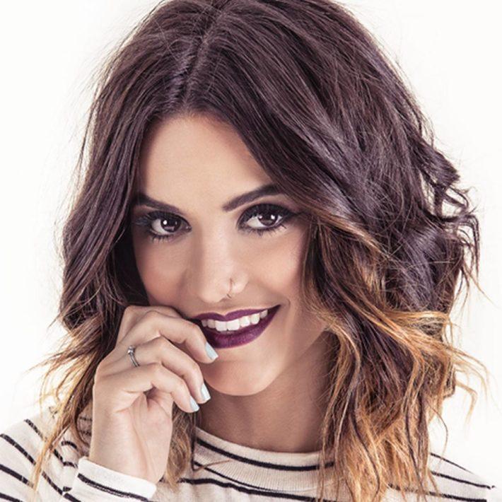 Женская стрижка на волосы средней длины