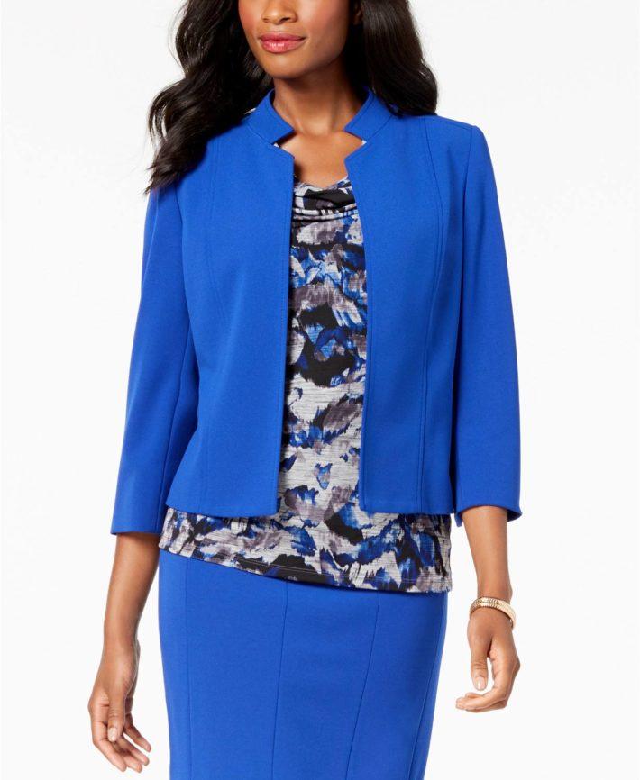 Классический женский костюм синий