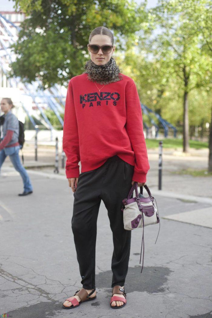 бордовая кофта под черные штаны