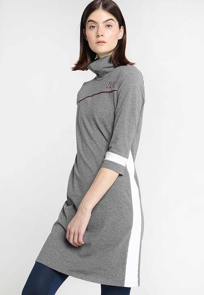 Спортивное платье серое