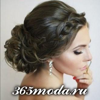Modnye_zhenskie_pricheski_dlja_oval'nogo_tipa_lica (139)