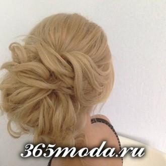 Modnye_zhenskie_pricheski_dlja_oval'nogo_tipa_lica (141)