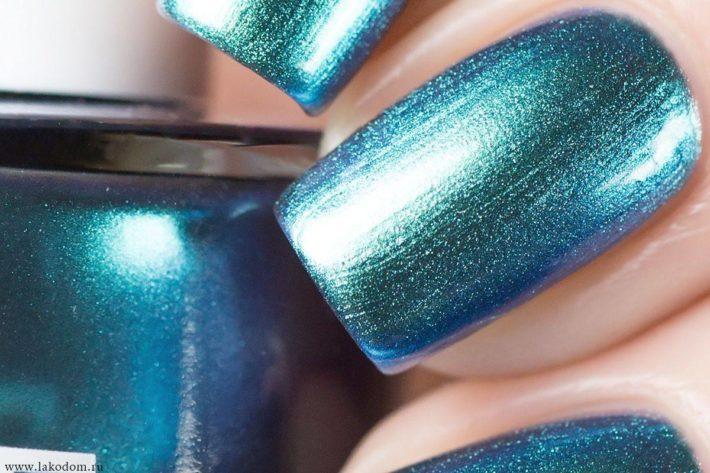 дизайн ногтей гель лаком синий