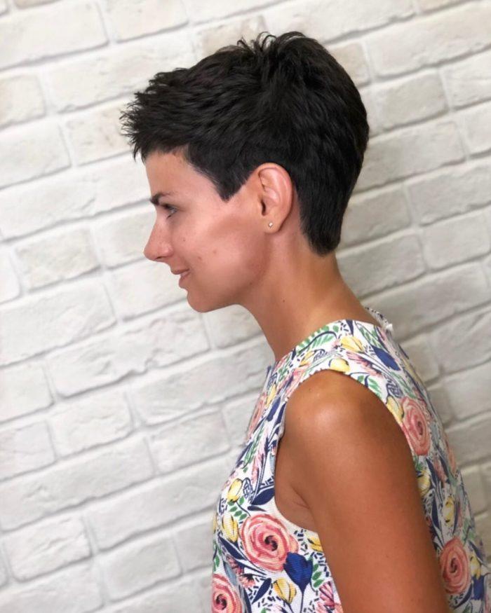 короткая стрижка черные волосы