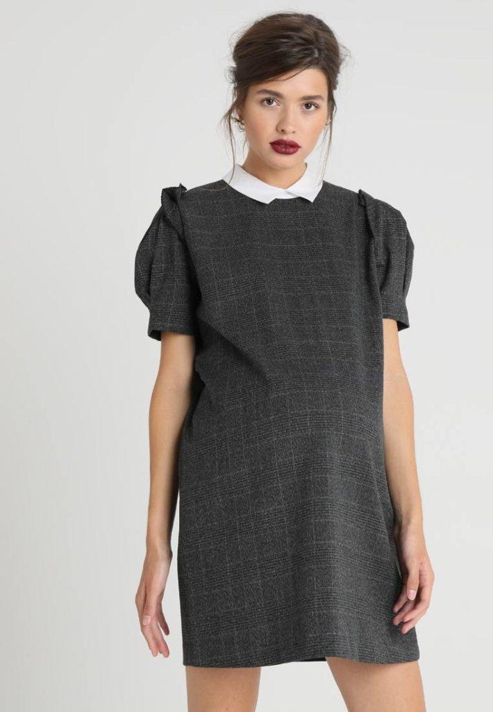 Платье для беременной серое
