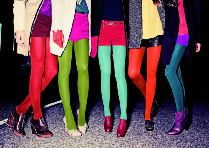 модные колготы осень-зима: Цветные
