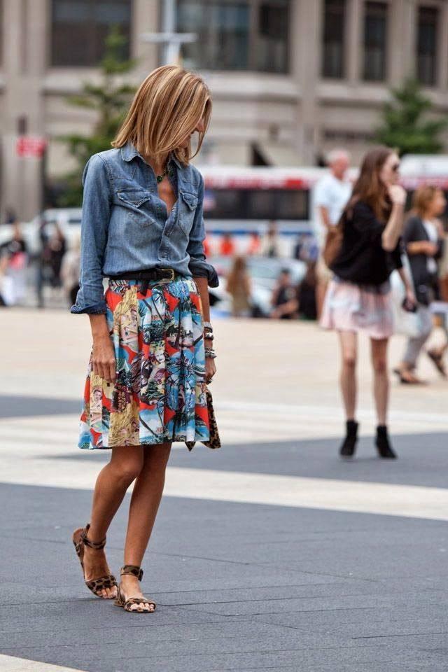 Стильный женский образ с юбкой на лето и весну