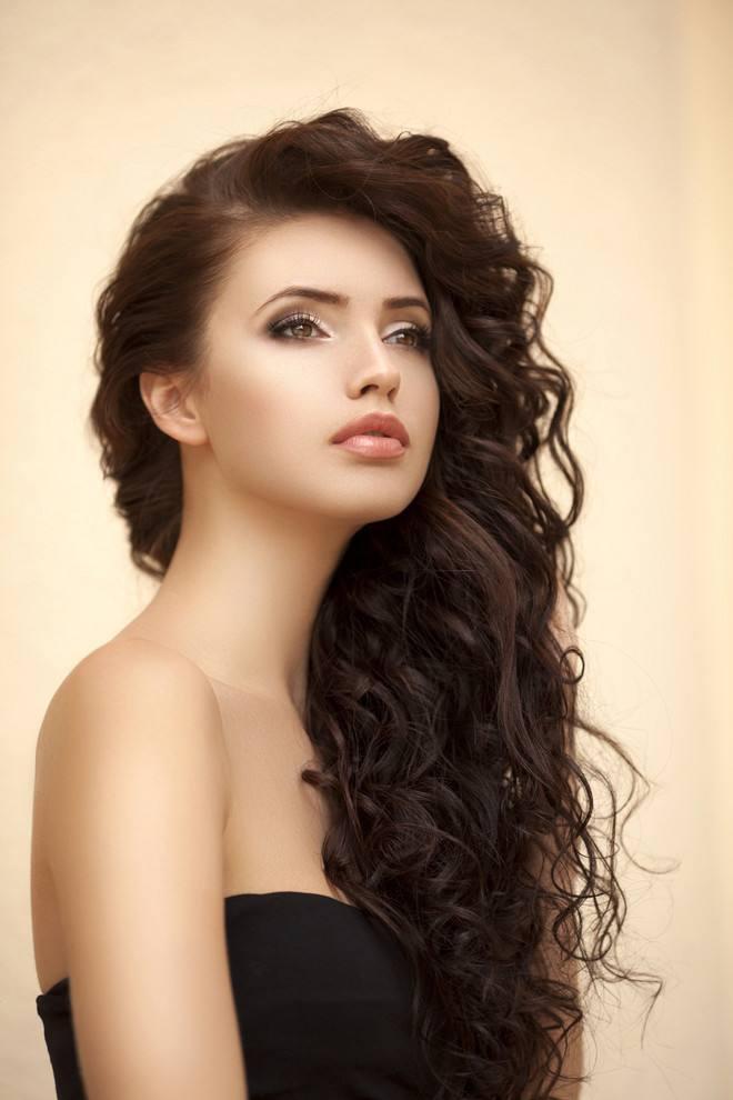 Женские длинные волосы