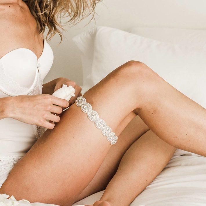 свадебные аксессуары: Подвязка на ногу