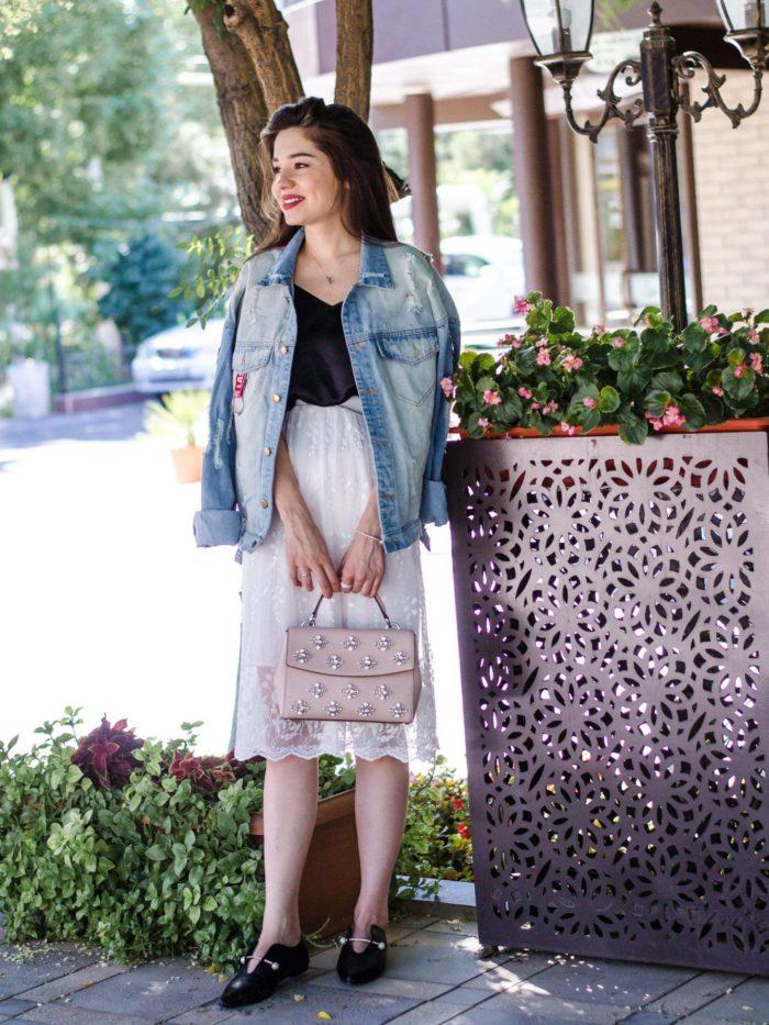 джинсовая куртка под белую юбку