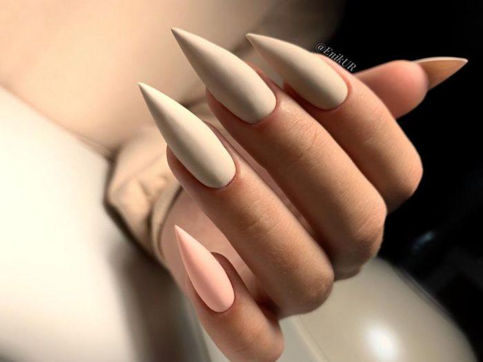 острый на длинные ногти