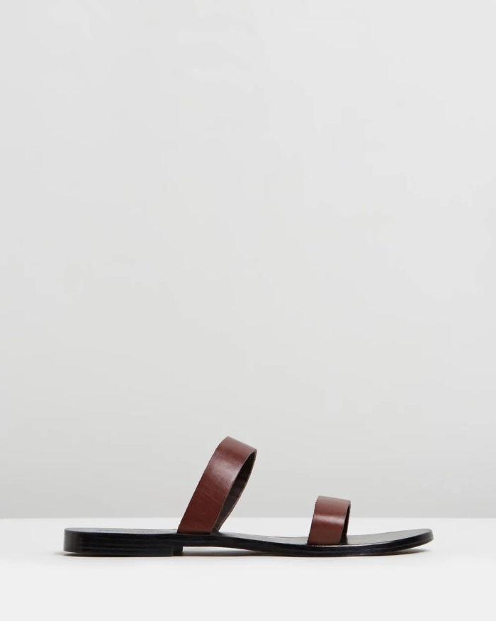 темно-коричневые на тонкой подошве