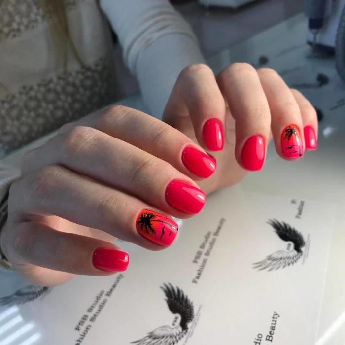 дизайн красно черных ногтей с рисунком