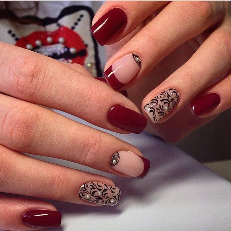 красно черный дизайн ногтей со стразами